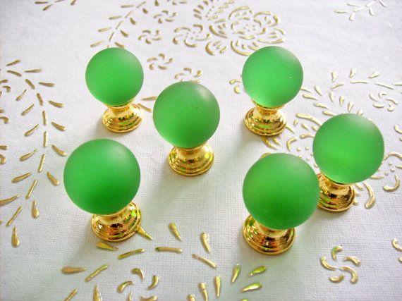 Manopole di Italia cristallo satinato verde in alta qualità.