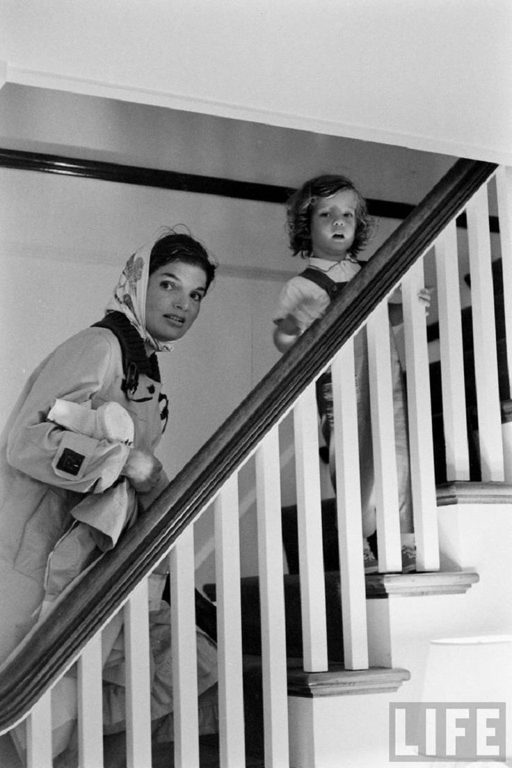«LiFE» — фотоархив|ДЖЕКИ И КЭРОЛАЙН КЕННЕДИ, 1960. Обсуждение на LiveInternet - Российский Сервис Онлайн-Дневников