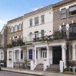"""West Kensington, appartamento di generose dimensioni (piano terra rialzato), con alti soffitti e caratteristiche d'epoca. Le dimensioni della stanza e della living room sono sicuramente più """"europee"""".  Immobile e zona sicuramente di pregio, ottimo investimento anche nel breve e medio periodo...continua"""