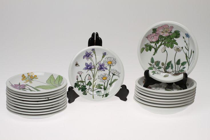 "Images for 11150. MATSERVIS, 32 delar. ""Midsommar"", Design Marguerite Walfridsson, IKEA. 1970-tal. – Auctionet"