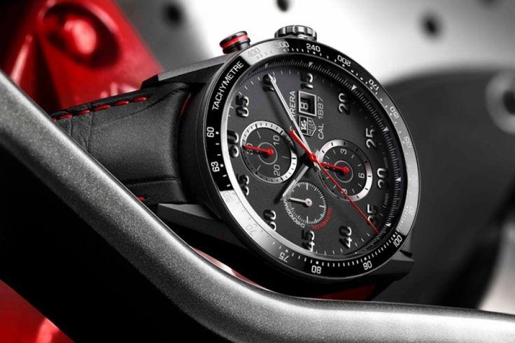 TAG Heuer Carrera 1887 Racing Chronograph: A TAG Heuer ikonikus 1887-es kalibere idén exkluzív, fekete homokfúvott titán tokozatban dobogtatja meg a Carrera luxusórák szerelmeseinek szívét. A most 50. évfordulóját ünneplő modellcsalád legfrissebbje, azaz a Racing Chronograph elődjeihez képest még dinamikusabb, sportosabb stílust képvisel.   A teljes cikk  még több cool fotóval >>> www.woohooo.hu/stilus/ora/tag-heuer-carrera-calibre-1887-racing-chronograph-luxus-ora