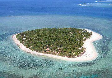 The Heart Island: Tavarua Island @ Fiji