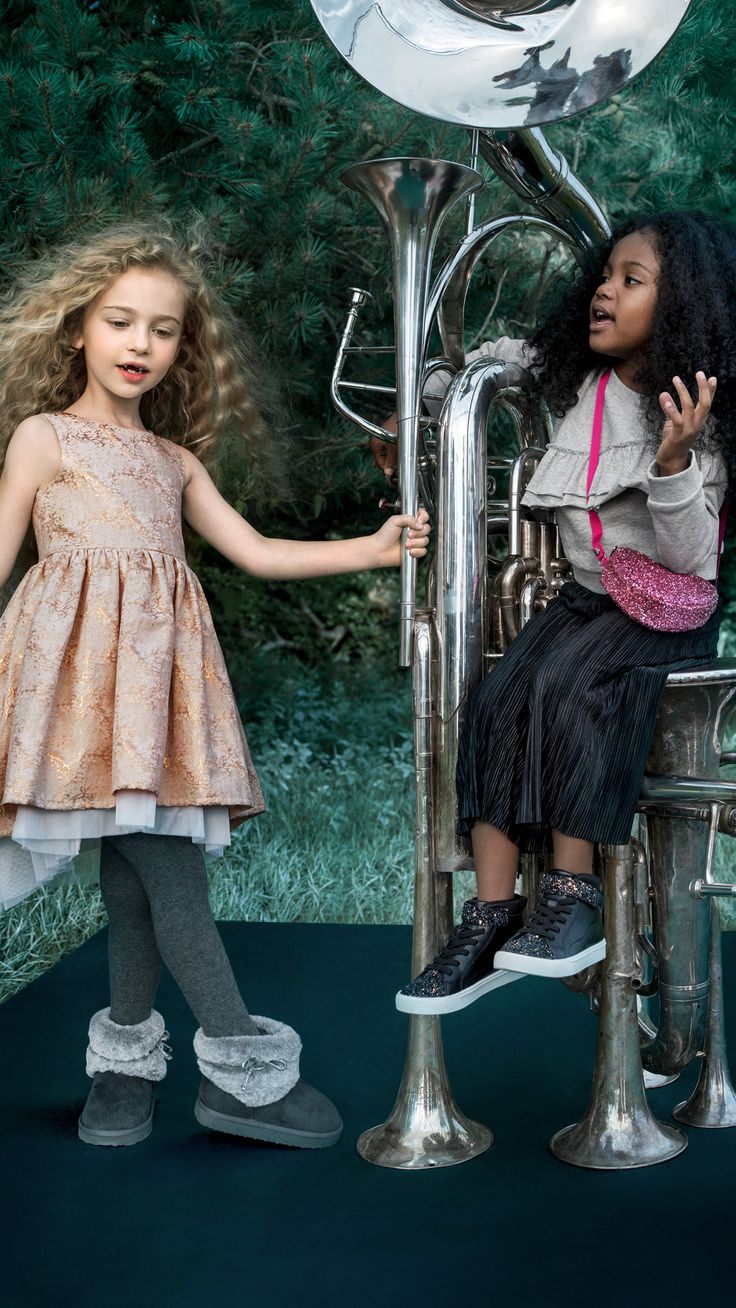 Dance into the season of sparkle and fun in dazzling dresses, dapper suits and gleaming accessories. | H&M Kids