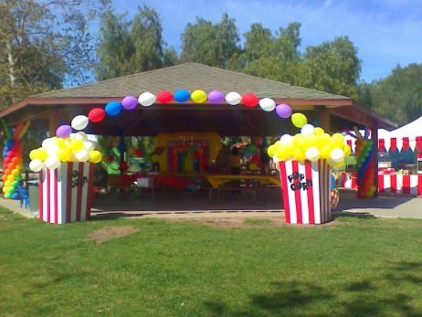 Popcorn balloon sculpture #popcorn-balloon sculpture #carnival balloon decor #carnival-balloon decor