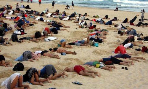 Australia, sotto la sabbia contro il cambiamento climatico