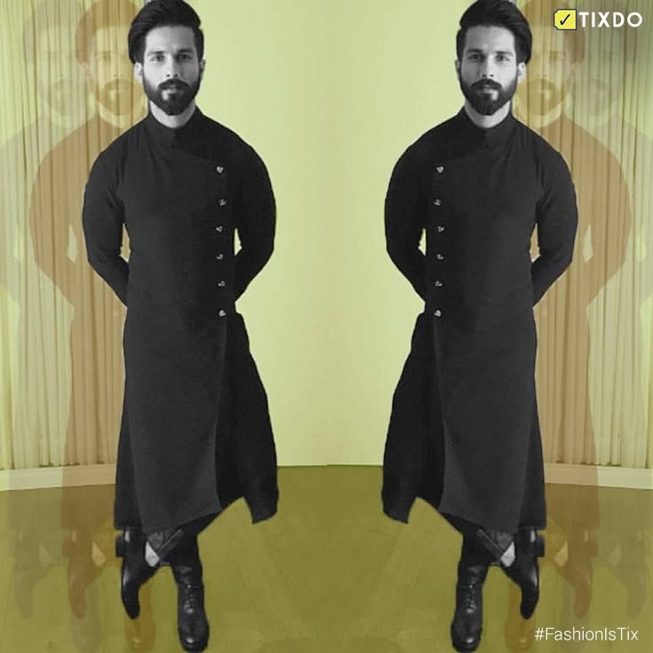 Black and Bold! Shahid Kapoor took the Black lady home for his performance in Udta Punjab, dressed as the perfect match for it. #FashionisTix // #Filmfare2017 // Shahid Kapoor Fan Club