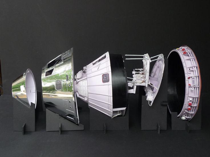 Ken L west's Apollo CM Papermodel