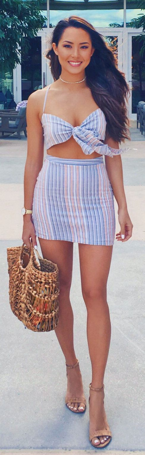 #winter #outfits brown and blue stripes halter dress. Pic by @hapatime.