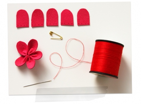 If You Like Them Then You Should've Put A Pin On It - Flower Power That Lasts: Pin Diy, Flowers Pin, Pin Craftstodolist, Diy Flowers, Pin Crafts To Do Lists, Flowers Power, Felt Flowers, Fabrics Flowers, Practice Ideas