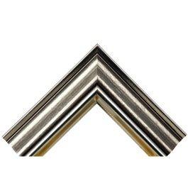 Wide Stylish Silver är en lite bredare ram med en fin patina och ytbehandling. Med sin bredd på hela 57 millimeter får du mycket fina ramar på väggarna som syns. Bredden och storleken gör också att modellen passar bra för lite större ramar. Bra falsdjup gör att du får plats med mycket innehåll som t.ex. standardkilramar. Den passar därför mycket bra till målningar på duk. Tillverkad av stavlimmad svensk furu. Wide Stylish Silver är en av våra populäraste modeller och storsäljare. Bredd: 57…