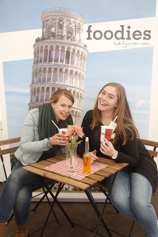 Na de foodies-ijskoffie workshop mocht je op foto voor de toren van Pisa. De foto's zijn te vinden op onze Facebook pagina!  https://www.facebook.com/FoodiesMagazine