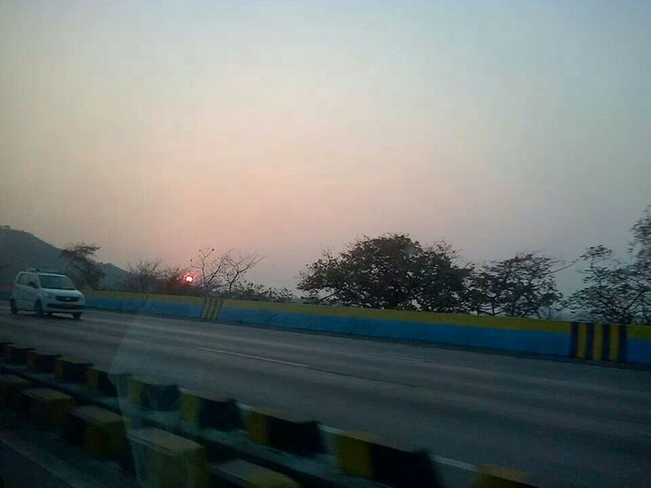 Beautiful sunset at Lonavla on the Mumbai-Pune Expressway (Pic coirtesy Ashraf Engineer)