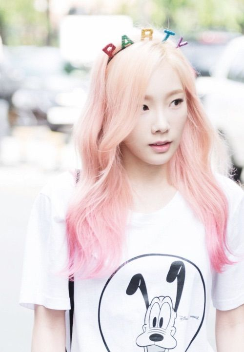 Taeyeon Cute Wallpaper Lovely Snsd Taeyeon In Blond Pinkish Hair K Pop Girls