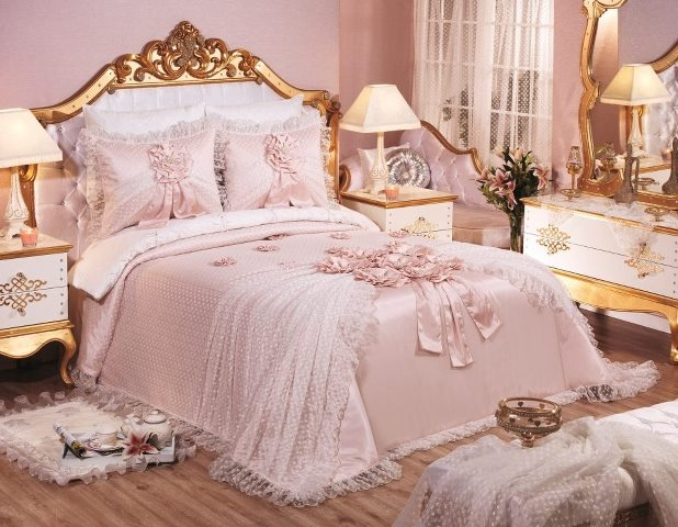Elart Bedding.This is thhe one I want to get my granddaughter for xmas if it doesn't cost a fortune