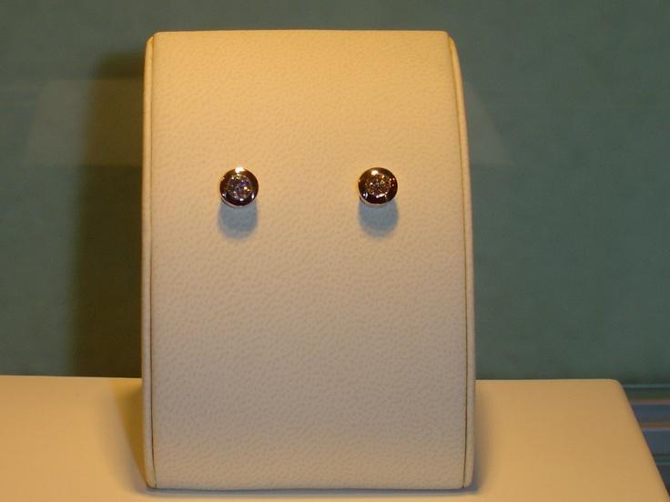 Botones oro blanco y brillantes.0,79 quilates. PVP 3,440 € (antes 4.300 €)