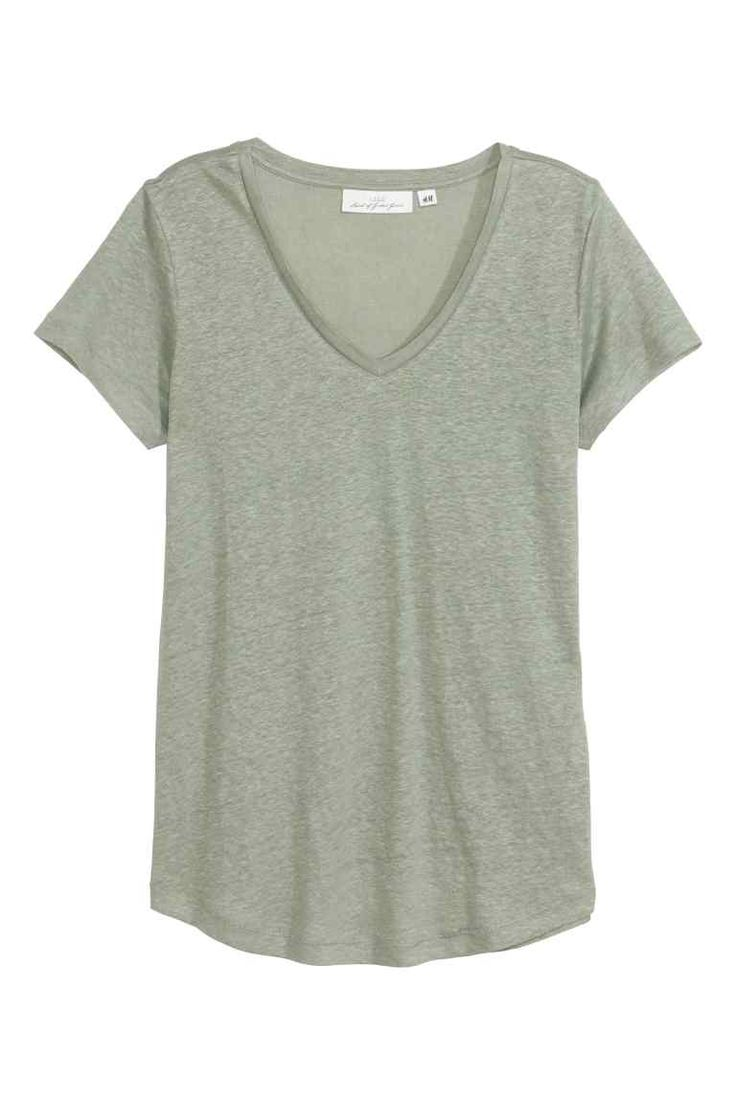 リネンVネックトップス: リネンジャージー素材のVネックトップス。半袖。裾はゆるやかなラウンドカット。