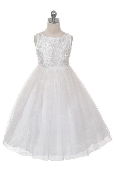 Bijzonder bruidsmeisjes jurkje met een taffeta lijfje die bewerkt is met satijnen bloemen borduursels en lovertjes. Over de taffeta rok zit een zachte tule rok met subtiele glitters. Kinderbruidsmode, kinderbruidskleding, bruidsmeisjes jurken, bruidsmeisjes jurk, bruidskinderen, bruidskinderkleding, flower girls.