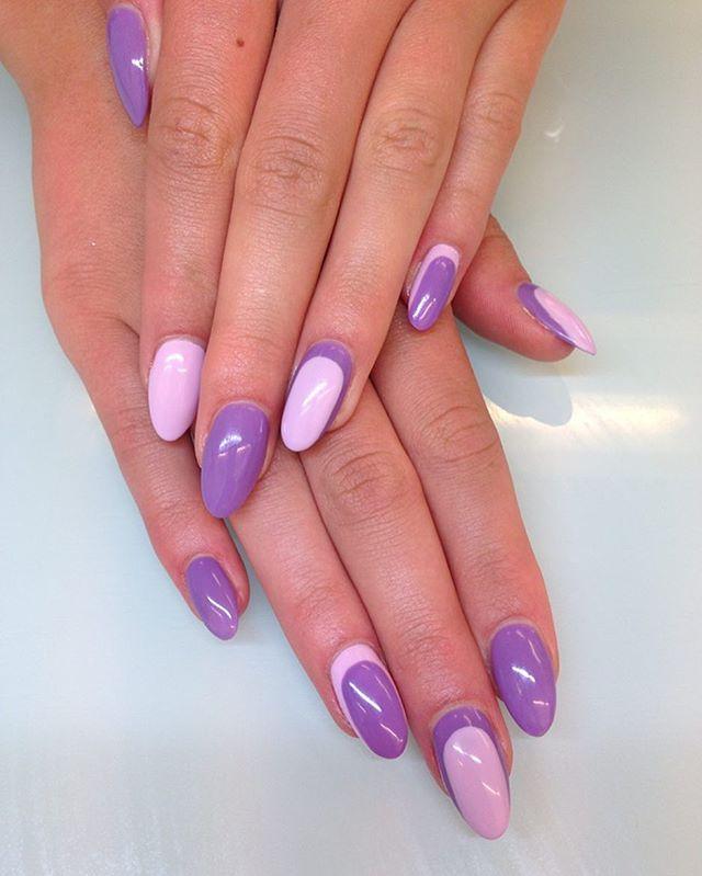 Flere sommer negle ☀️ Her i #shellac farverne #cakepop og #lilaclonging på en negleforlængelse lavet i gelé. Jeg er VILD med de to farver sammen. #CNDShellac #cndenhancements #cndbrisagel #cndbrisa #cndgowithapro #CNDShellacEA #cnddanmark #cnddenmark #nailsoftheday #nailsonfleek #nailsmagazine #silkyway #trowback #2013