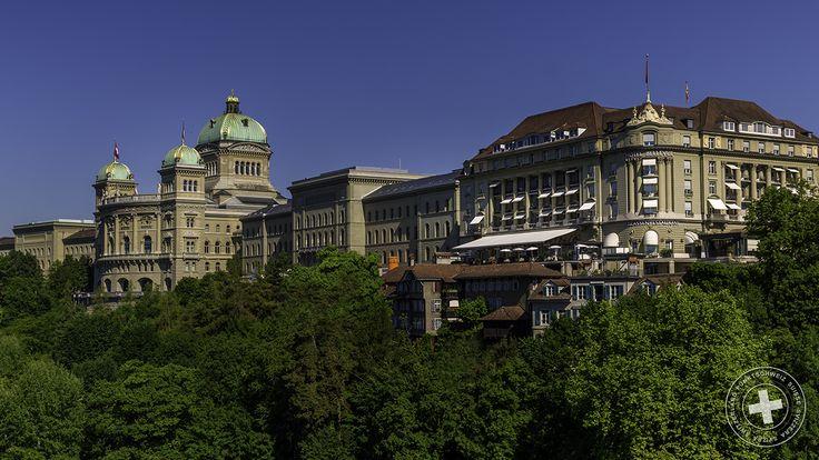 #Hauptstadt #Schweiz: Es thront das 5-Sterne #Hotel #Bellevue #Palace, zusammen mit dem #Bundeshaus in #Bern. #Switzerland