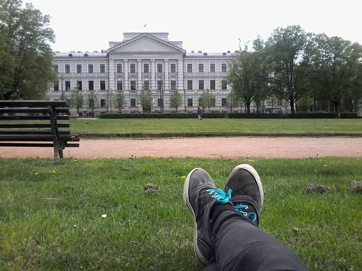 Taking nap in vilnius park - new a achievement in being homeless. ^_^