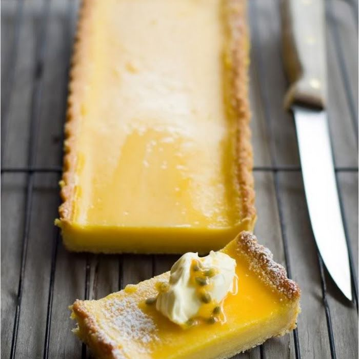 passionfruit and lemon tart: DELICIOUS BITES
