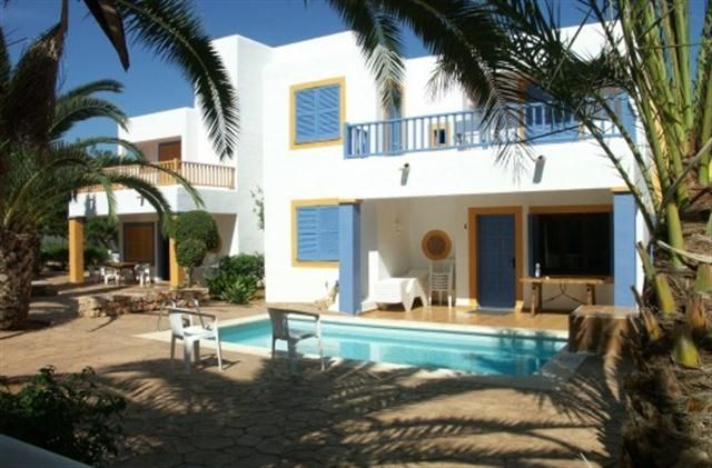 Holiday Villa with swimming pool in Santa Eulalia del Rio, S'Argamassa - private pool, walking, beach/lake nearby, balcony/terrace, rural re...