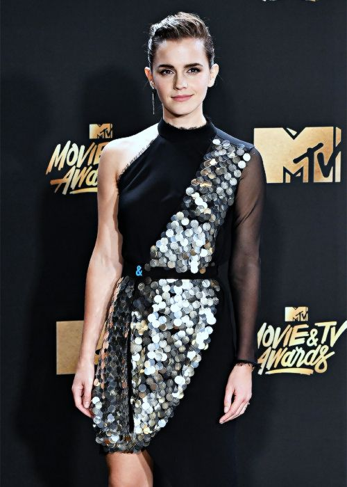 ewatsondaily:Emma Watson attending the MTV Movie Awards