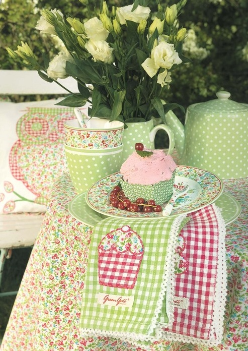 30 best cupcake table napkins images on pinterest napkins alps and beverages - Handmade gs silverware ...
