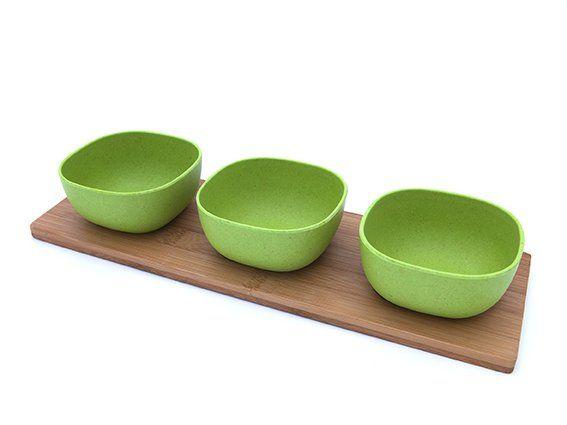 Set bamboeschaaltjes op hout van YuuNaa - KitchenHugs