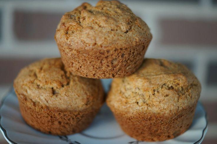 Gluten Free Cinnamon Applesauce Muffins. http://www.inthekitchenwithjenny.com/2014/01/gluten-free-cinnamon-applesauce-muffins.html