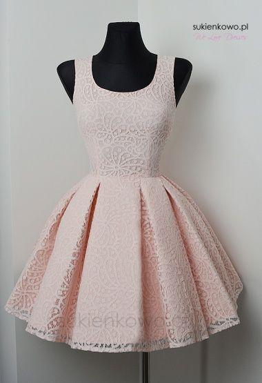 Żakardowa pudrowa sukienka gorsetowa Bella