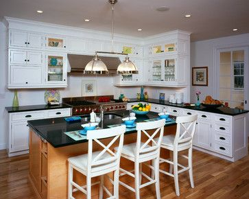Hamptons Two Tone Kitchen   Traditional   Kitchen   New York   Classic  Kitchen And Bath