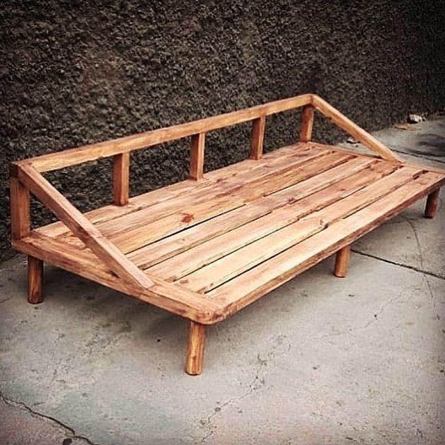 Comfortable wooden couch sofa #outdoorfurniture #palletfurniture #outdoordecor #furnitureideas #palletstorage #storageboxes #palletideaseasy #diypallet