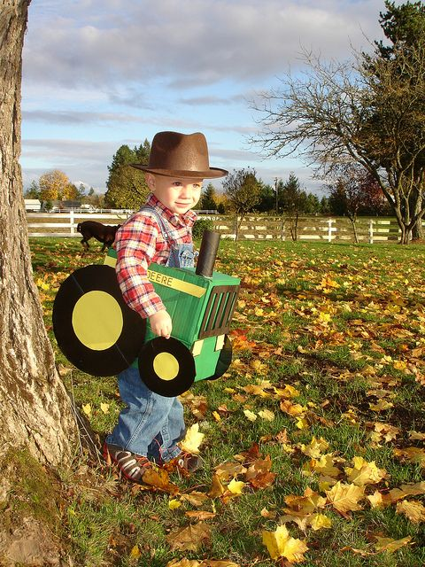 Halloween costume idea!John Deere Tractors, Diy Costumes, Halloween Costume Ideas, Halloween Costumes Ideas, Cute Halloween, Boys, Kids, Country Life, Halloween Ideas