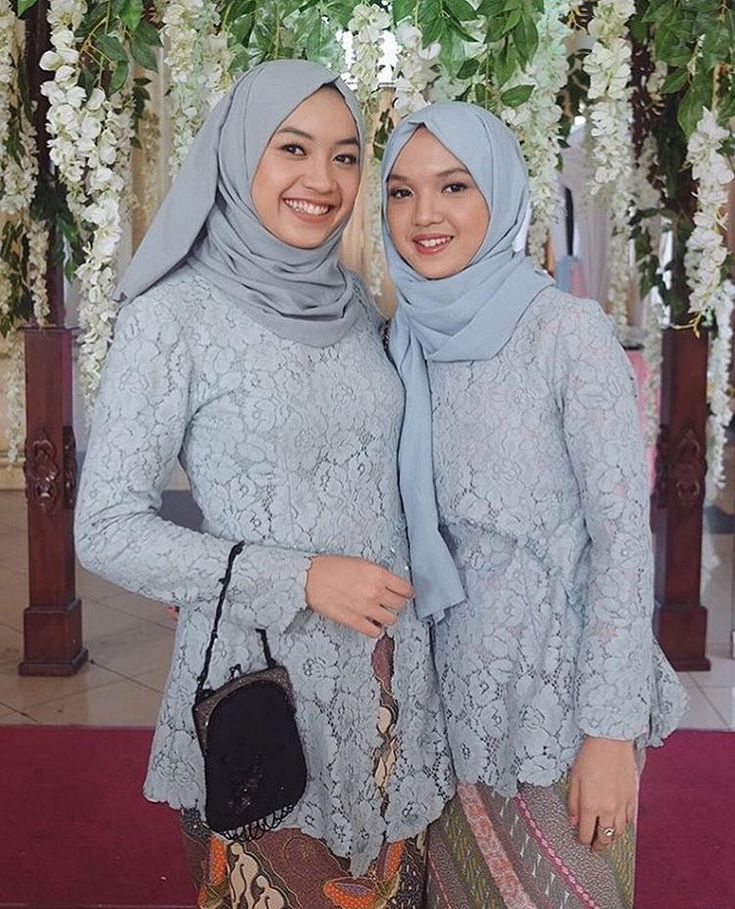 "Kebaya Inspiration INDONESIA on Instagram: ""No embellishment, no complicated hijab, no jewelry, yet this look is such a feast to the eyes. Simplicity at its best. Regram from @intanfia #kebayainspiration #kebaya #Indonesia"""
