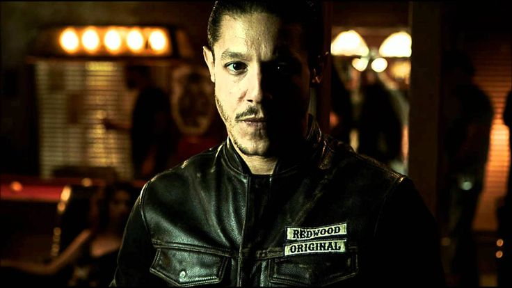 Metallica - Turn the page ( Sons of Anarchy ) HD (+playlist)  I LOVE THIS SONG. GREAT LYRICS ABOUT BEING A MUSIC ARTIST AND WHAT YOU HAVE TO DO TO MAKE THAT KIND OF LIVING.