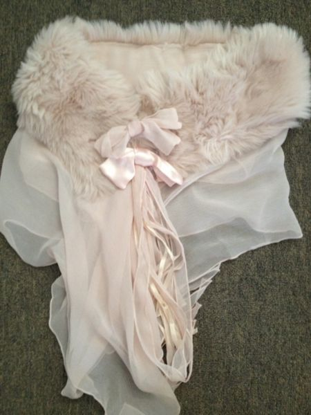 wedding shawl, available for hire from Treenridge weddings, Pemberton, from October 2014.