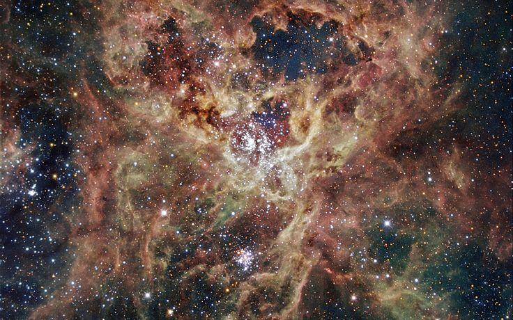 Tarantula Nebula - 30 Doradus (NGC 2070) | Constellation Guide
