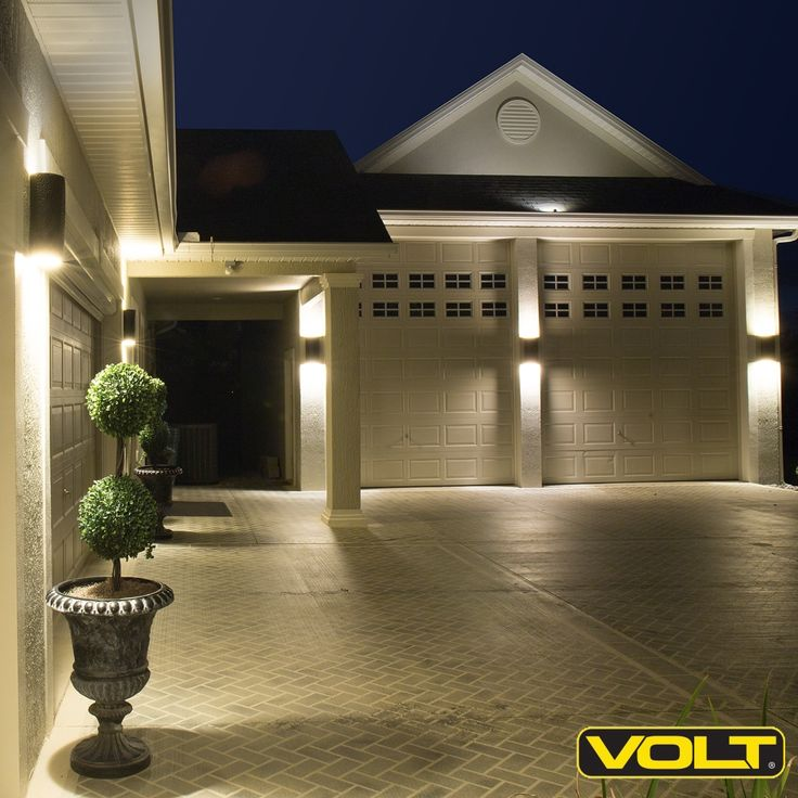 VOLT® Up/Down Deck Light | Antique Bronze Low Voltage Landscape Lighting Compact sconce with up/down light distribution Cast brass construction for durability Integrated Cree® LED light source UL Listed Retail Price: $99.99 Sale Price: $49.99