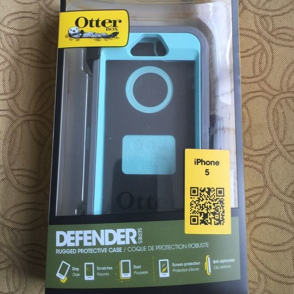 NEW Teal & Grey iphone 5 Otter Box Case Greetings and Happy Today!                            Up for Sale is this nice... New Authentic Otterbox Defender Case For Iphone 5 with Belt Clip & Built in Screen Protector  The iphone 5 case has Built-in screen protector guards against scratches and scrapes from all that other junk bouncing around in your pack or purse. Multi-layer case includes a polycarbonate shell, built-in screen protector, outer slipcover and holster.  Please see photos for…