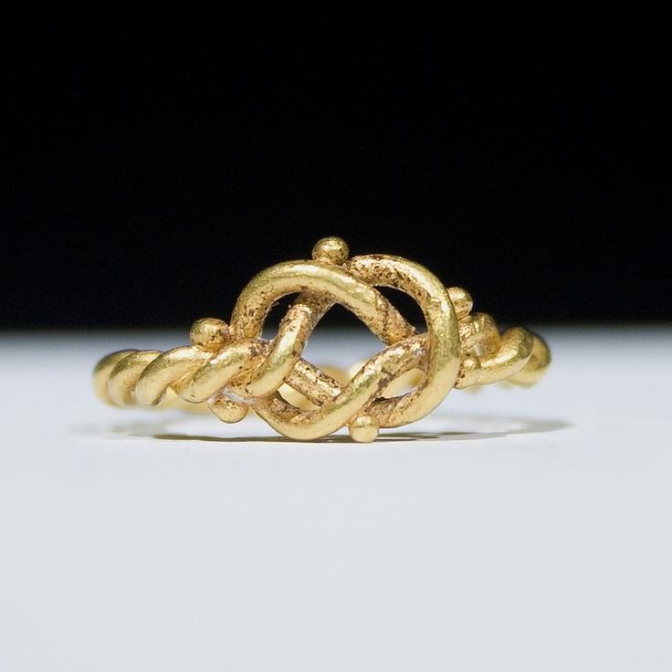 Zwei ringe ineinander verschlungen  Beliebtester Schmuck
