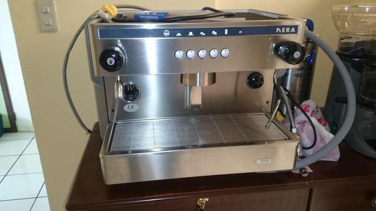 Vendo Cafetera Industrial con 2 Filtros Y Ablandador de Agua
