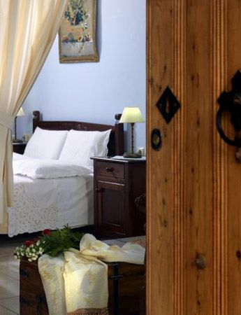 Guesthouse Petronikolis | Accommodation | Heraklion Prefecture | Regions | WonderGreece.gr