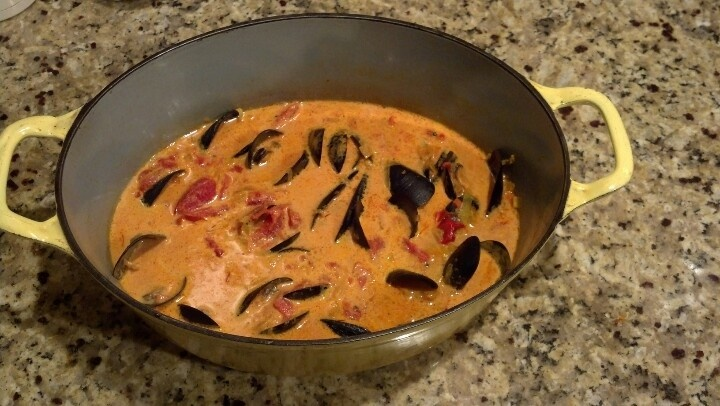 Mussel Soup wirh Tomatoes and Saffron | Food | Pinterest