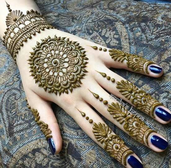 BEAUTIFUL HENA ART