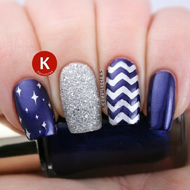 I love this but I would have the star covered nail. I'd have one silver, one chevron and the rest a straight colour.