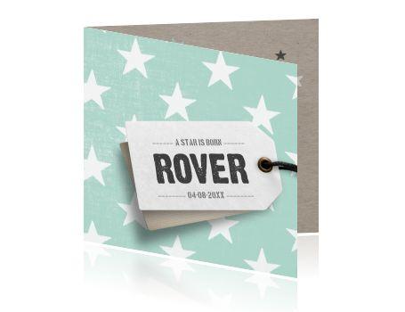 Hip en vrolijk geboortekaartje voor een jongen met sterren in mint groen. Een kartonnen textuur is aan de binnenkant terug te vinden. Schrijf je eigen teksten en geboortegedichtje en maak zo jouw eigen unieke ontwerp. Modern geboortekaartje van Luckz.nl.