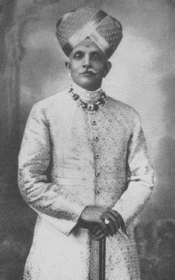 Colourful and royal Mysore Peta worn by Maharaja Nalvadi Krishna Raja Wadiyar