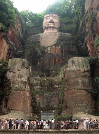 El gran buda de Leshan --- GRANDES MONUMENTOS casi desconocidos