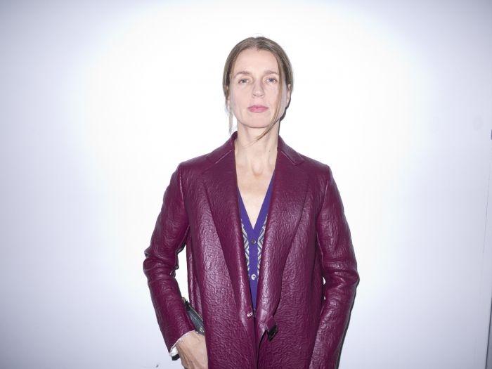 Karla Otto in GREAT purple jacket